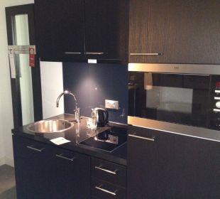 Küchenzeile Adina Apartment Hotel Berlin Hackescher Markt