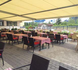 Terrasse direkt am Spielplatz Rieser's Kinderhotel Buchau