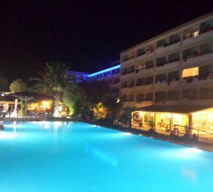 Aug. 16 Süßwasserpool Hotel Elea Beach