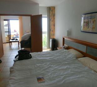 Durchblick vom Bett ins WZ Suitehotel Monte Marina Playa