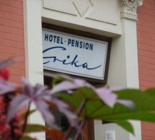 Eingang Hotel Pension Erika