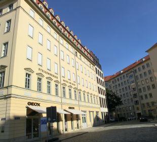Seitenansicht des Hotels Steigenberger Hotel de Saxe