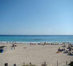 Blick auf Strand Hotel & Spa S'Entrador Playa