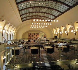 Breakfast hall K+K Hotel Central