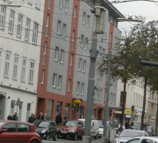 Blick auf Straßenfront Senator Hotel