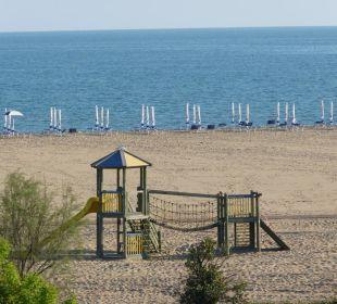 Blick von unserem Zimmer zum Strand