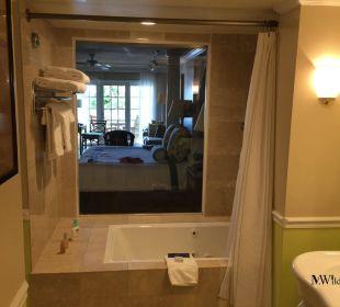 Blick vom Bad in das Zimmer Hotel Ocean Key Resort & Spa