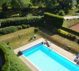 Pool vom Zimmer aus gesehen Sporthotel Aktivpark Güssing