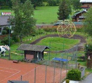 Tennisplatz, Kletterkuh, Ponnybahn Familienhotel Filzmooserhof