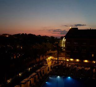 Blick auf Pool und Restaurant Hotel Can Garden Resort
