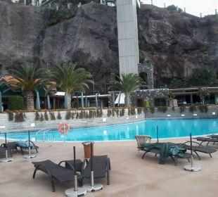 The Cliff Bay Pool auf der Sonnenterrasse Hotel The Cliff Bay (PortoBay)