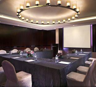 Connaught meeting room Carlton Hotel Singapore