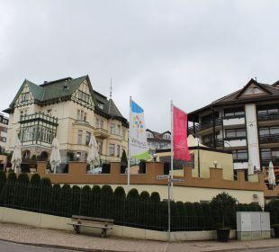 "Hotel ""Romantischer Winkel SPA "" rechts das Hauptgebäude Romantischer Winkel SPA & Wellness Resort"