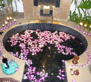 Ein Bad mit Orchideen Hotel Banyan Tree Phuket