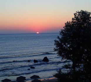 Strand mit Sonnenaufgang Hotel Corissia Princess