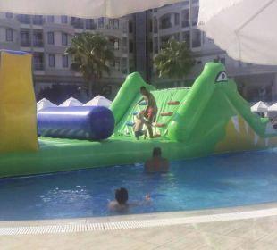 Wasserhüpfburg Side Sun Bella Resort & Spa