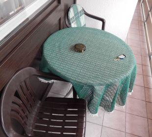 Plastikmöbel auf Balkon - naja... Die Gams Hotel - Resort