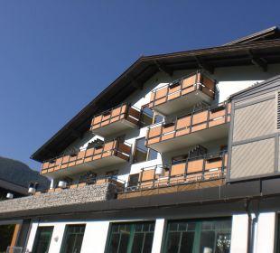 Blick vom Hof auf das Hotel Funsport-, Bike- & Skihotelanlage Tauernhof