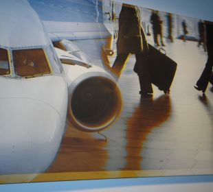 Bilder im Flur  Holiday Inn Express Hotel Bremen Airport