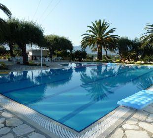 Ruhe am Pool Hotel Paradise Corfu