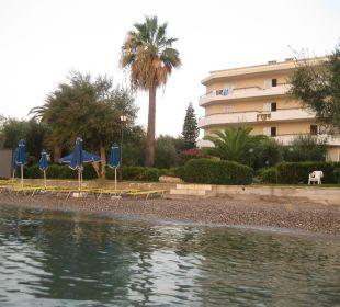 Blick vom Wasser  Hotel Elea Beach