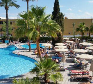 Blick von der Sonnenterrasse JS Hotel Sol de Alcudia