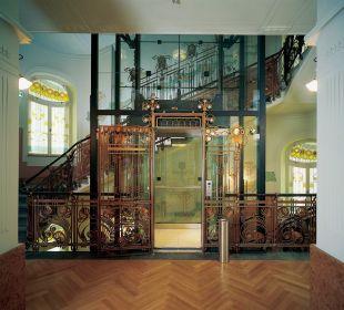 Elevator K+K Hotel Central