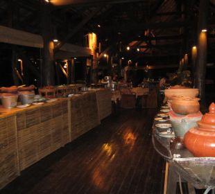 Typisches Thai Büffet in originaler Form