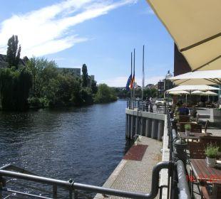 Blick von Terrasse/Restaurant Lanninger Ameron Hotel Abion Spreebogen Waterside Berlin
