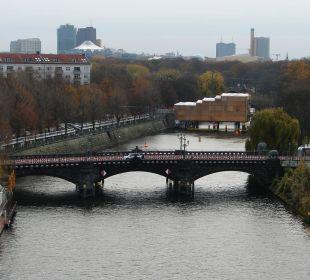 Blick aus dem 6. Stock Ameron Hotel Abion Spreebogen Waterside Berlin