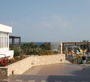 Blick zum  Pool AKS Annabelle Beach Resort