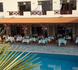Blick auf das Restaurant Hotel Mimosa Beach