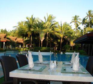 Dinner am Pool Henann Resort