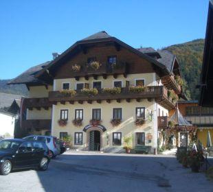 Außenansicht des Hotels Ebner's Wohlfühlhotel Gasthof Hintersee