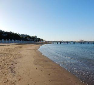 Weitläufiger Strand und glasklares Wasser SENTIDO Perissia