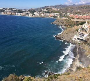 Hotel und dahinter Almunecar Playacalida Spa Hotel