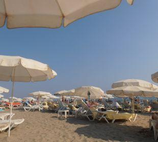 Pláž s lehátky zdarma Hotel Krizantem