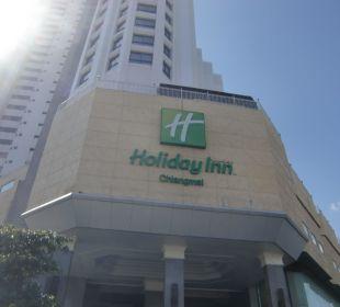 Eingang Hotel Holiday Inn Chiangmai