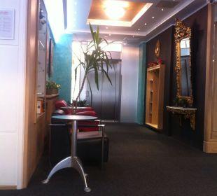 Neuer Eingangsbereich und Aufzug Hotel Sachsenhof