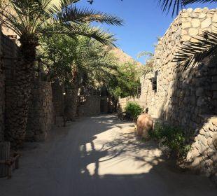 Straße zwischen den Villen Six Senses Spa At Zighy Bay