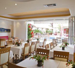 Innen-Essenbereich Evdion Hotel