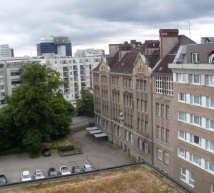 Ausblick zum Innenhof Hotel Crowne Plaza Berlin City Centre