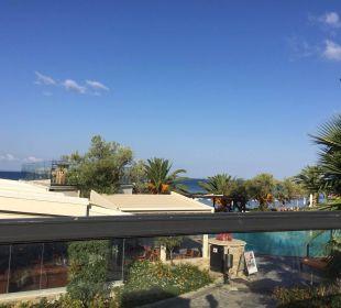 Blick von der Restaurantterrasse Anthemus Sea Beach Hotel & Spa