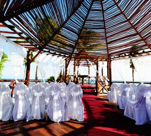 Gazebo Grand Riviera Princess All Suites & Spa Resort