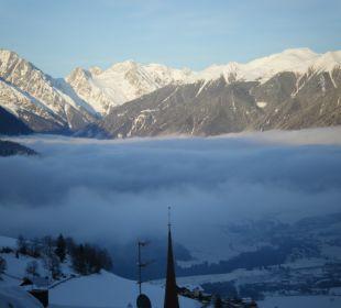 Ausblick vom Zimmer auf die Berge Kronplatz-Resort Berghotel Zirm