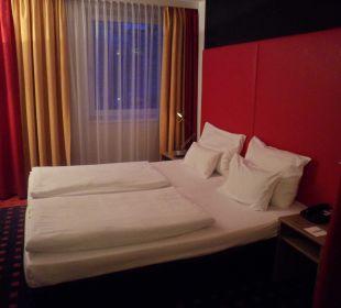 Bett Senator Hotel