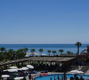 Blick von den Rutschen Richtung Meer Club Mega Saray