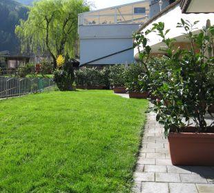 Gartenanteil des gebuchten Appartments Hotel Alpenhof Passeiertal