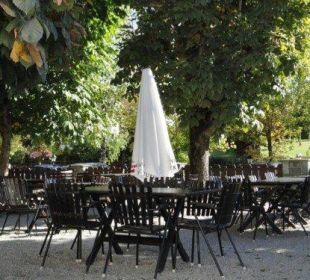 Gartenrestaurant unter Kastanienbäumen Familien-Landhotel Stern