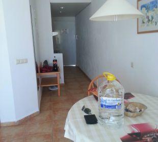 Hinten Eingang, hinten links die Küchenzeile Suitehotel Monte Marina Playa